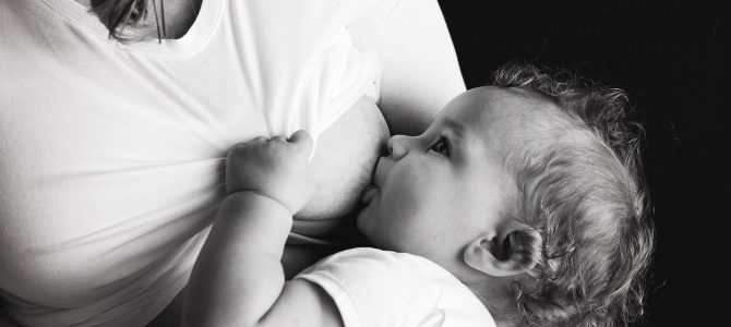 Alcol durante l'allattamento: sfatiamo qualche mito!