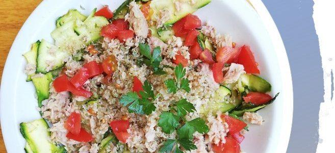 Quinoa con tonno zucchine e pomodorini