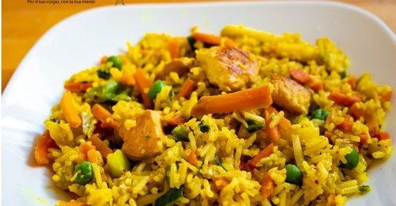 Riso basmati con pollo al curry e verdure
