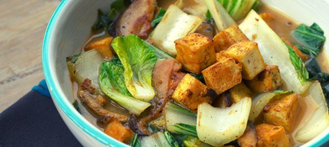 Zuppa di miso con tofu e funghi: ottimo per il raffreddore