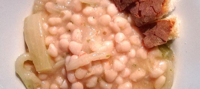 Zuppa di fagioli bianchi e finocchi, un'antica ricetta