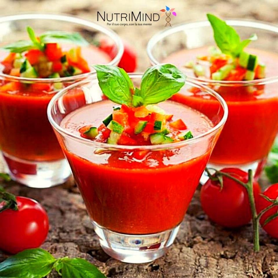 Gazpacho rosso con crudité di verdure